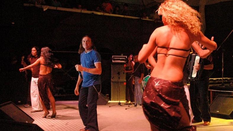 Forró Caju 2005 termina ao som do forró eletrônico