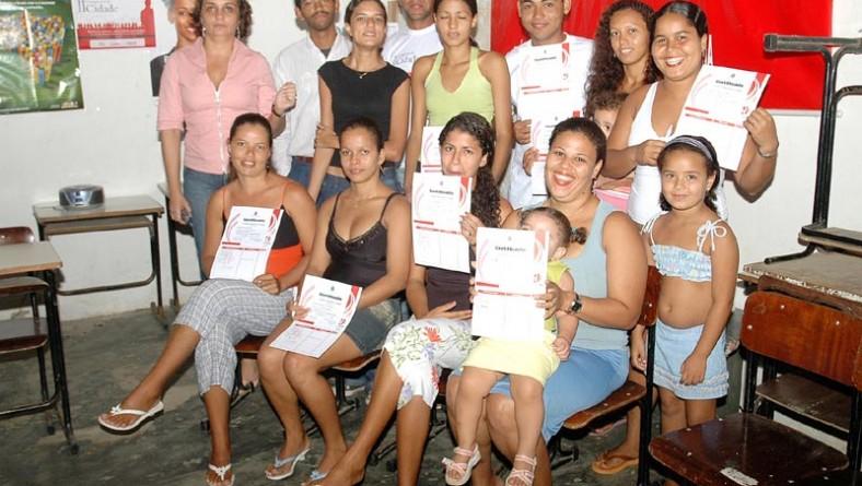 Jovens do Santa Maria concluem curso de Informática pela Fundat e Ação Comunitária