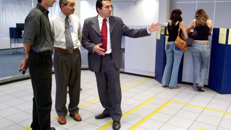 Prefeitura verifica cumprimento da lei dos 15 minutos em agências bancárias de Aracaju