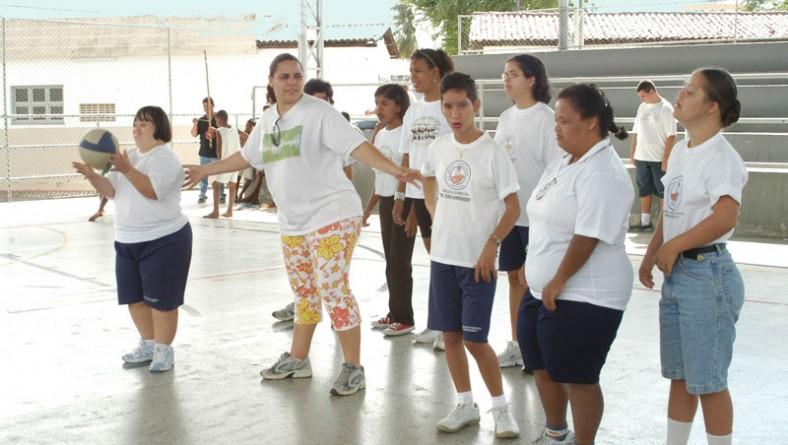 Estagiários do projeto Segundo Tempo participam de curso de formação