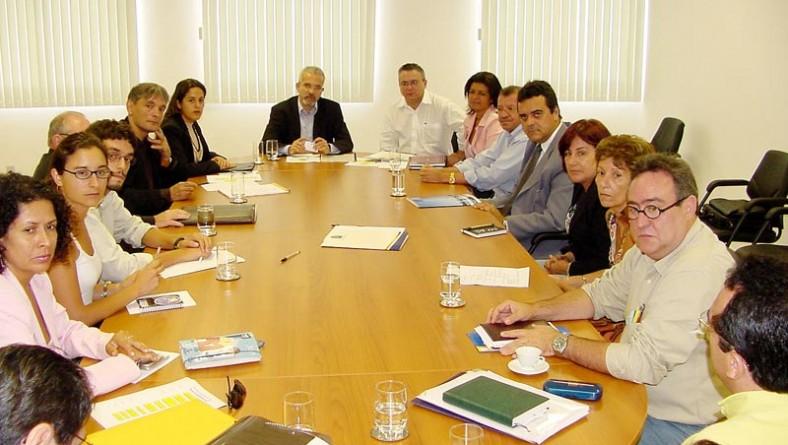 Vice-prefeito reúne técnicos franceses para discutir projeto de revitalização do Centro histórico de Aracaju