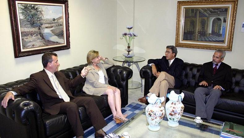 Prefeito Marcelo Déda visita as sedes do Tribunal de Justiça e da OAB/SE