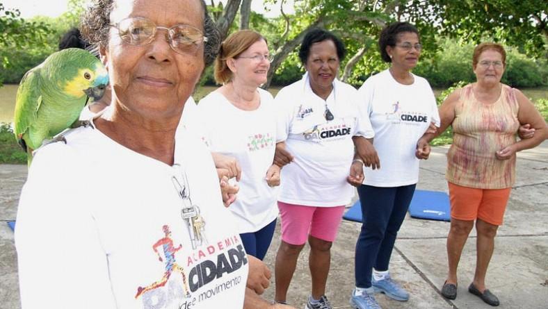PMA beneficia 2 mil pessoas em Aracaju com o programa Academia da Cidade