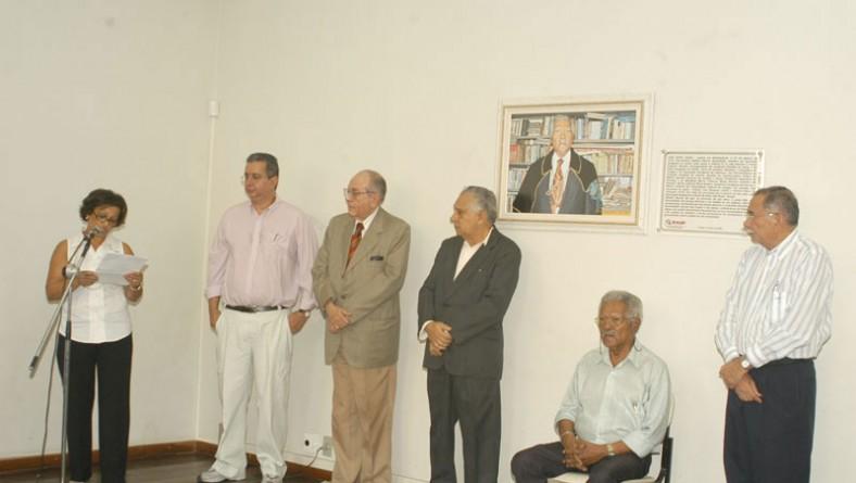 Poeta Santo Souza recebe homenagem