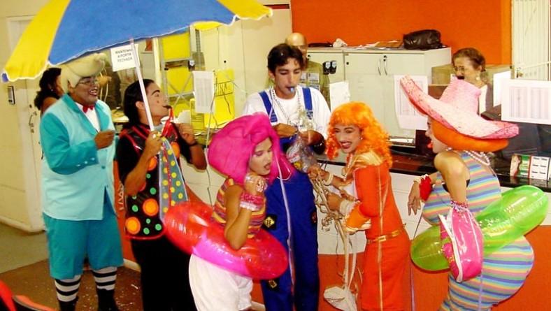 Grupo de teatro da SMTT educa para o trânsito com alegria