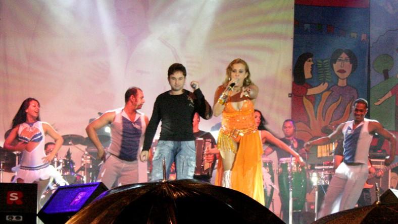 Mulheres Perdidas é a última banda a subir no palco do Forró Caju