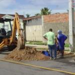 Emurb abre novas frentes de trabalho para recuperar o pavimento da cidade - Valmor Bezerra reúne equipe