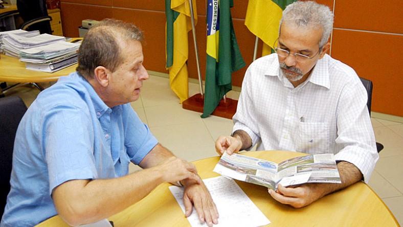 Prefeito assina termo de adesão à Frente em Defesa das Águas de Sergipe