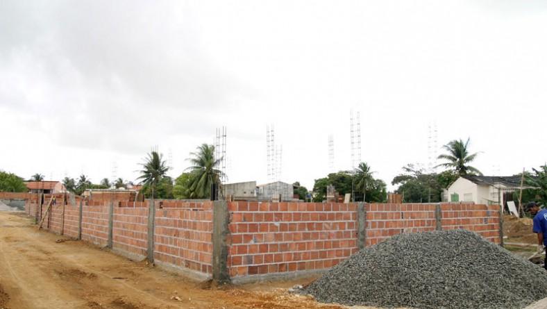 Prefeitura constrói nova escola infantil no bairro Coroa do Meio