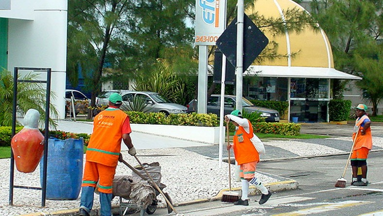 Emsurb define estratégia de limpeza das zonas eleitorais
