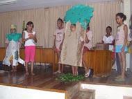 Crianças do Peti prestam homenagem em comemoração ao Dia do Idoso