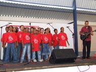 Adolescentes e idosos atendidos pela Semasc emocionam público do Movimento Solidário G. Barbosa