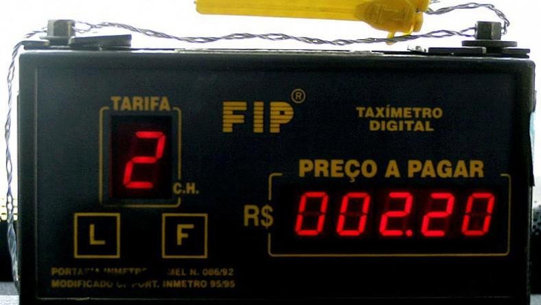 Táxis da capital circulam com bandeira dois durante o mês de dezembro