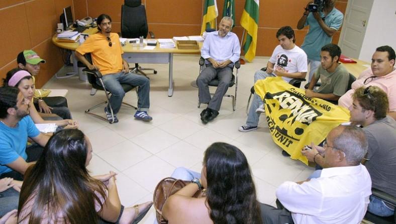 Estudantes da Unit participam de audiência com prefeito Edvaldo Nogueira