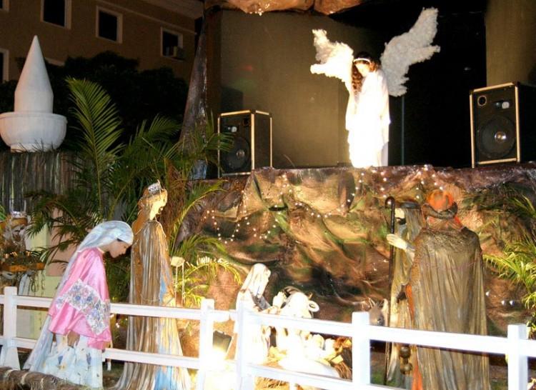 Anjos se apresentam até amanhã no presépio do Centro