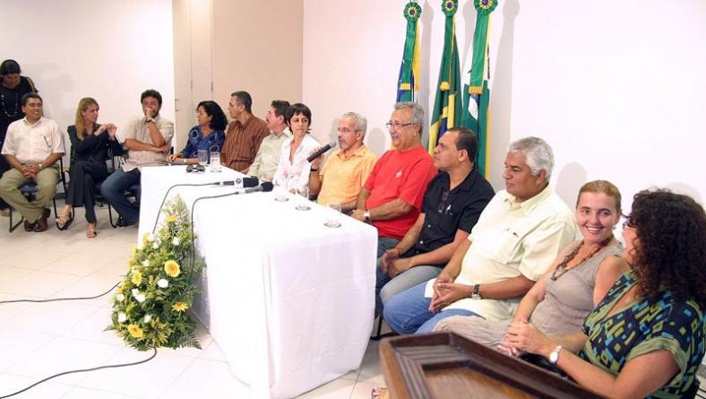 Prefeito anuncia novos secretários de Administração e Finanças e confirma seis nomes na administração