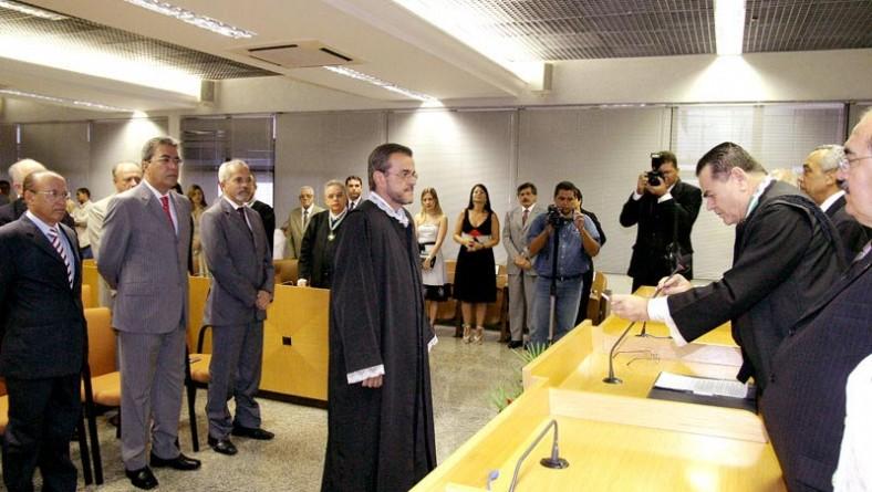 Prefeito participa da posse do novo conselheiro do TCE