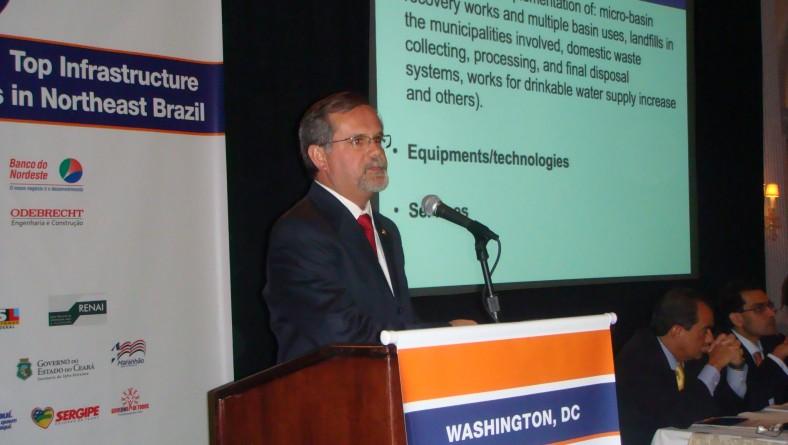 Secretário apresenta projetos de governo nos Estados Unidos