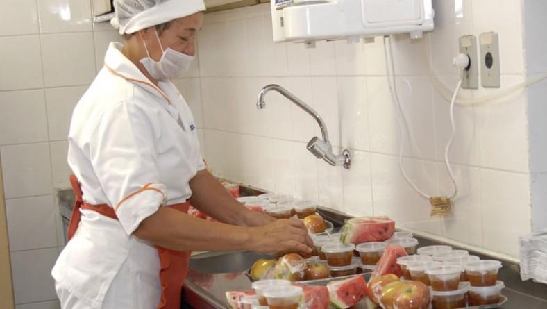 Serviço de Nutrição garante qualidade de refeições servidas no HUSE