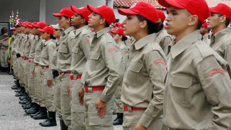 Corpo de Bombeiros incorpora 100 alunos no curso de formação de soldados