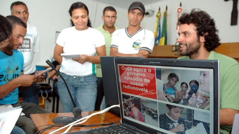 'Sergipe de Todos': educação e cidadania na oficina de rádio em Propriá