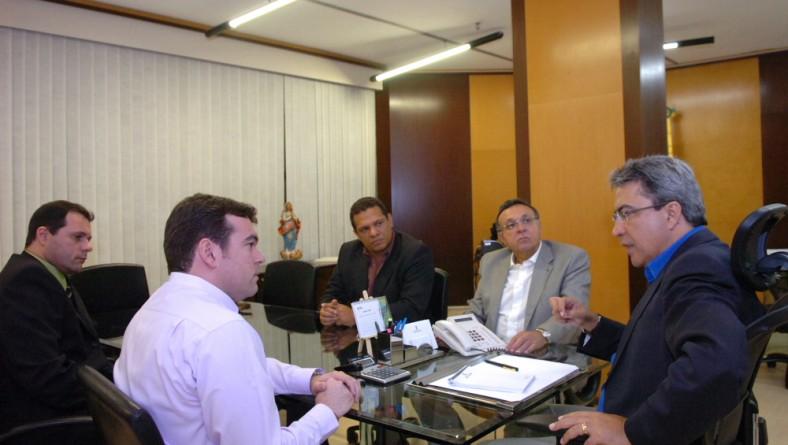 Governador recebe novos diretores da Emsetur em audiência