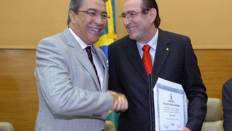 Déda prestigia entrega de título de cidadão sergipano ao gerente da BR