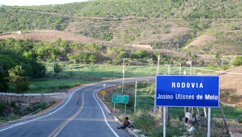 Déda inaugura rodovia que liga Porto da Folha a Ilha do Ouro