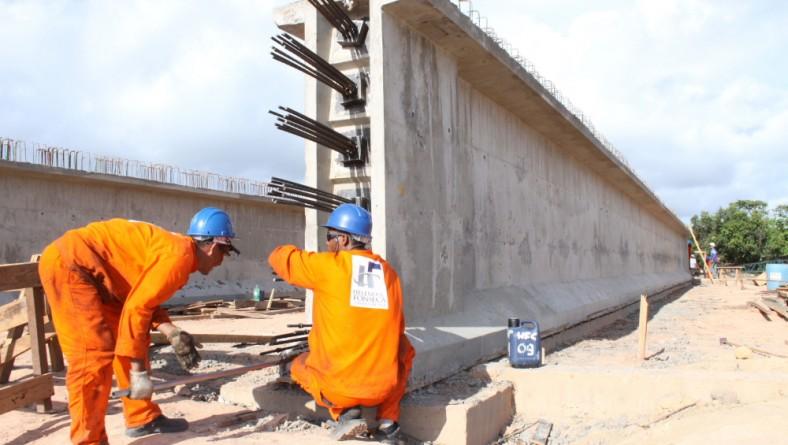 Obras da ponte sobre o rio Piauí avançam