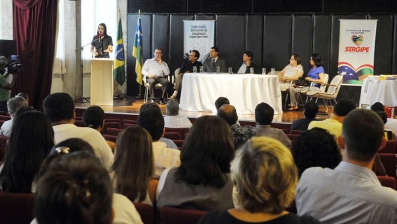 Governo lança edital para publicação de obras literárias
