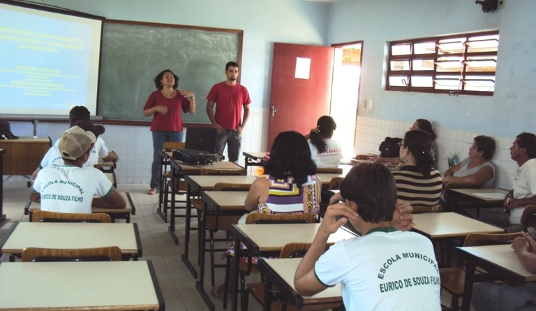 Professores e alunos de Aquidabã conhecem cartografia de Sergipe