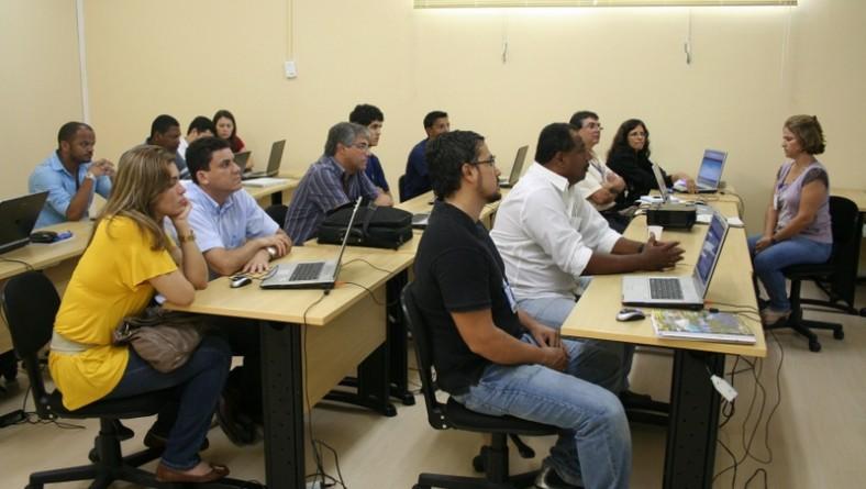 Servidores participam de curso sobre documentos eletrônicos do e-Doc Sergipe