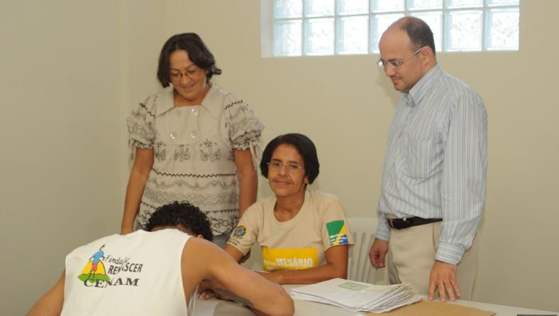 Socioeducandos do Cenam recebem seus títulos eleitorais