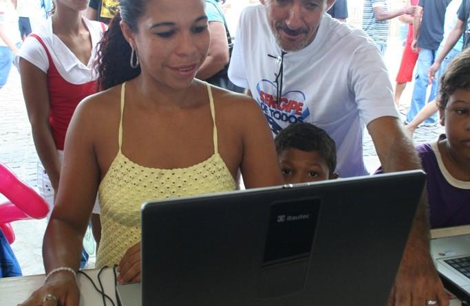 Lan House do Governo oferece acesso gratuito à internet em São Cristóvão
