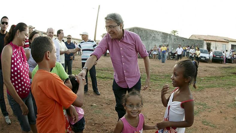 Governador inaugura três Clínicas de Saúde da Família em Glória