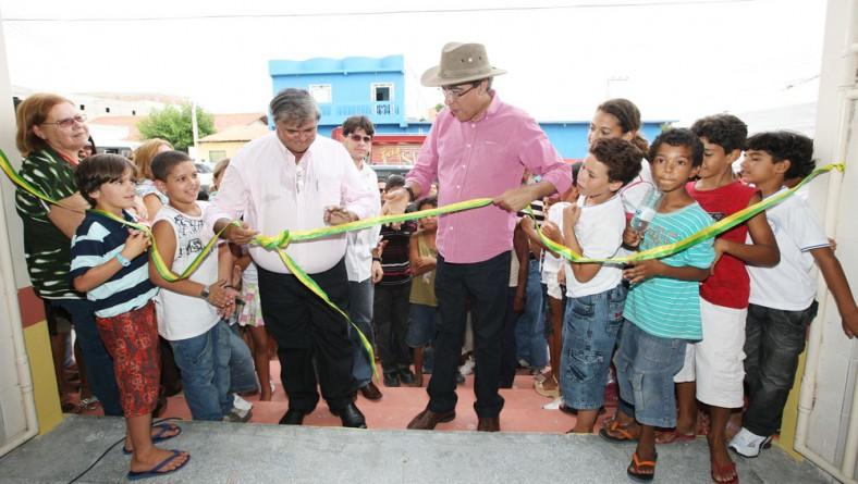 Governador entrega Mercado Municipal Manoel Correia Neto