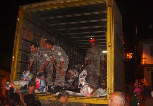 Bombeiros de SE que estão na Força Nacional reforçam ajuda às vítimas das chuvas