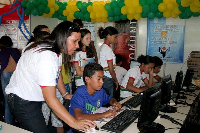 Inclusão digital e recreação também fazem parte do 'Sergipe de Todos'