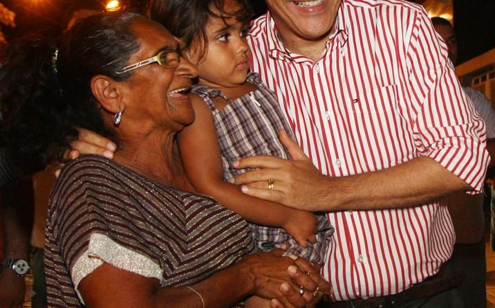 Déda inaugura reforma de escola estadual Martinho Garcez em Frei Paulo