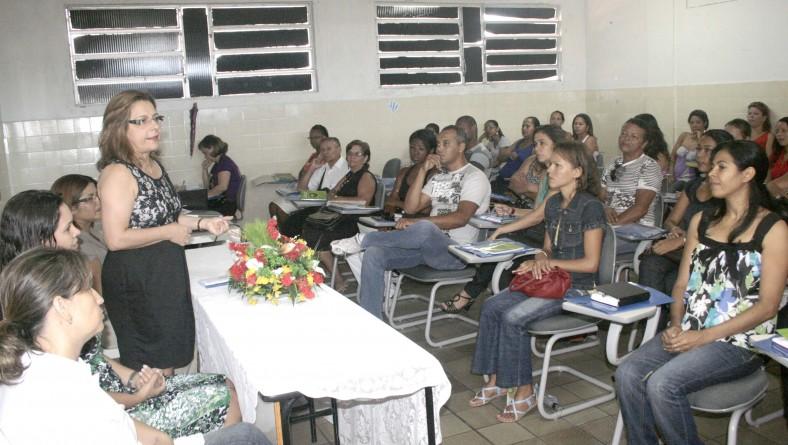 Seed promove capacitação de Libras para intérpretes