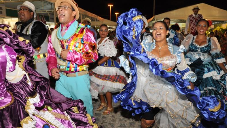 Secretária de Cultura visita a Feira de Sergipe