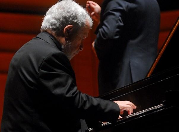 Pianista Nelson Freire pretende tocar novamente com a Orsse