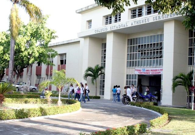 Inscrições para processo de seleção de Centros Experimentais de Ensino Médio prosseguem até 4 de março