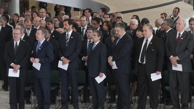 Em Brasília, governador rende última homenagem a José Alencar