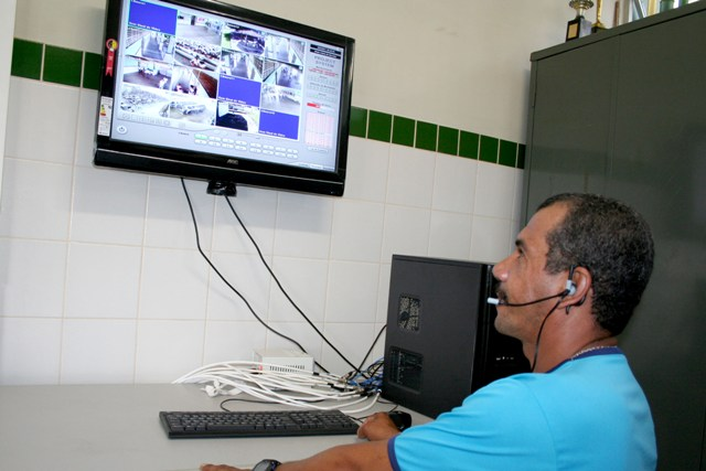 Colégios da rede estadual dispõem de monitoramentos por câmeras
