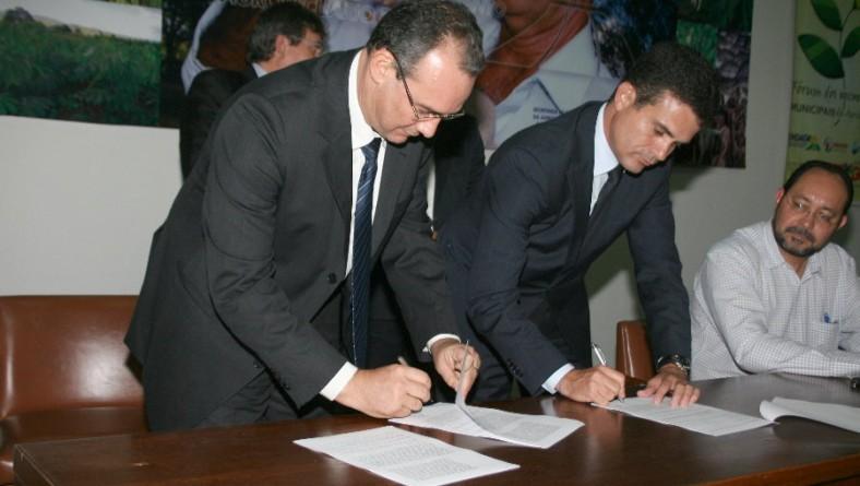 Sergipe e Bahia firmam acordo de cooperação técnica
