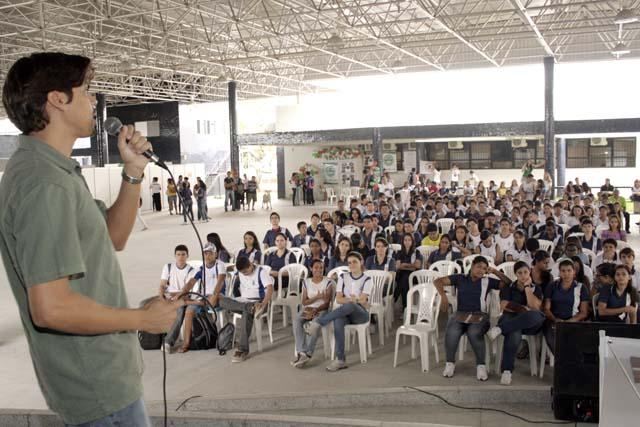 Alunos do Pré-Universitário participam da VI Semana de Graduação da UFS