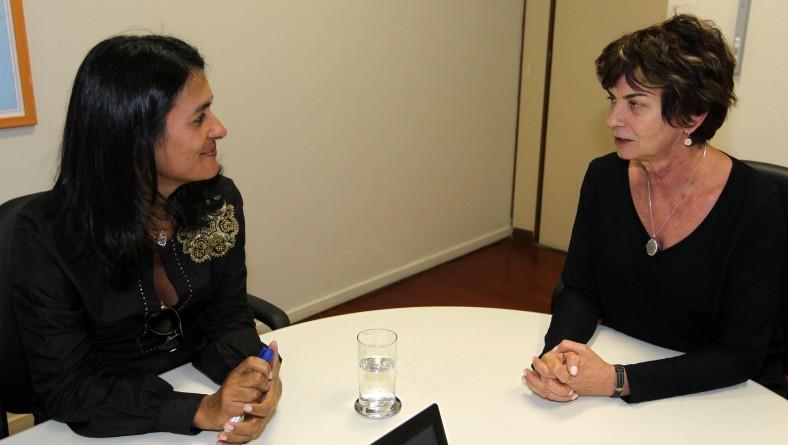 Em Brasília, Eliane Aquino discute programas de combate à pobreza