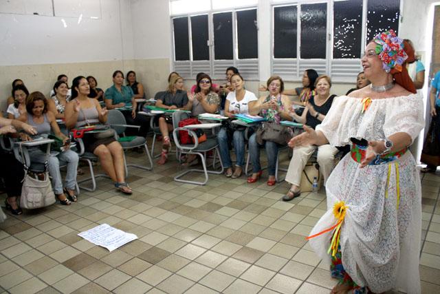 Coordenadores participam do I Encontro de Formação Profissional dos programas 'Se Liga' e 'Acelera'
