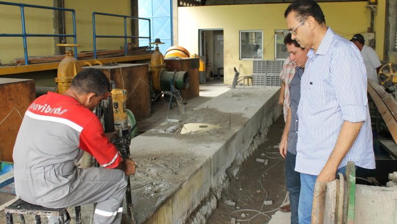 Presidente da Cohidro visita obras no perímetro da Ribeira